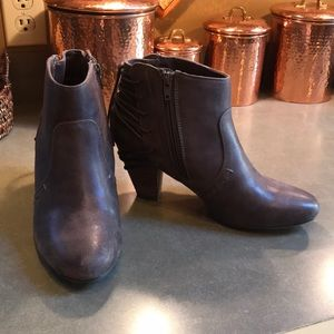 Report Women's Boots. Size 8 1/2